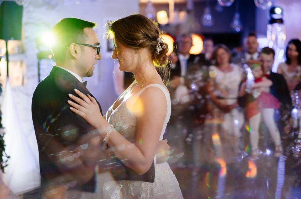 pryzmat i kryształki w fotografii ślubnej